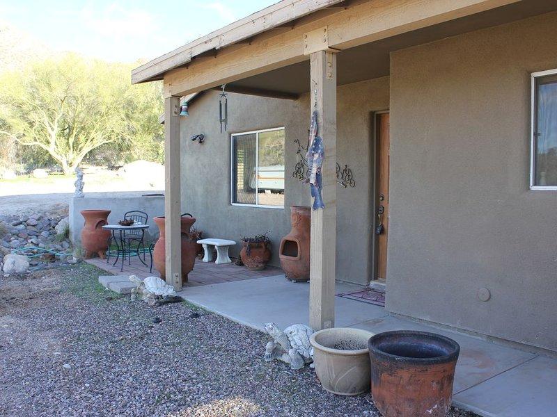 Guest house at the base of Pusch Ridge Mountain, alquiler de vacaciones en Casas Adobes