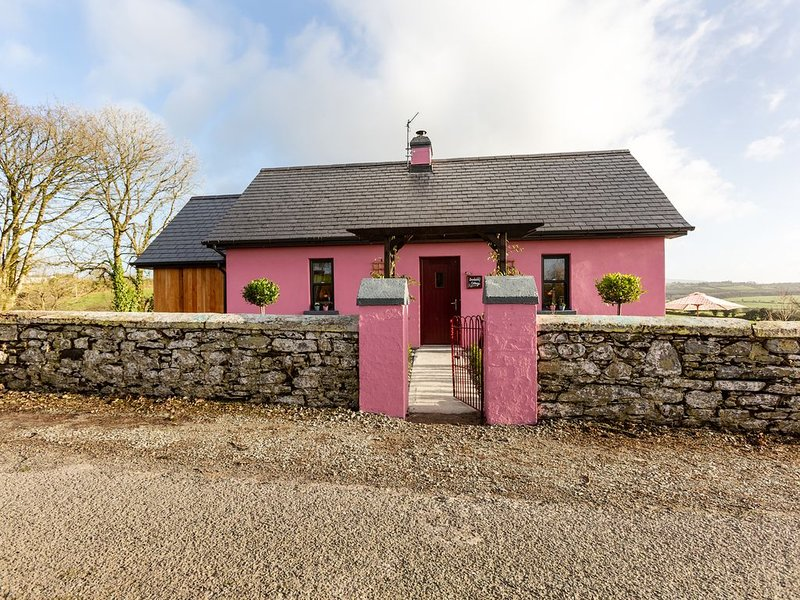 Bendan's Cottage, DUNGARVAN, COUNTY WATERFORD, holiday rental in Lismore