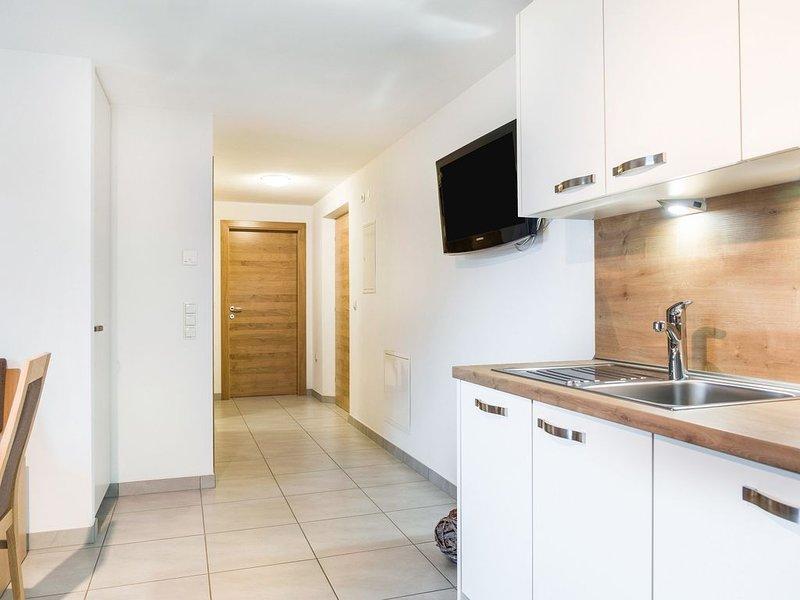 Modernes Apartment Hofschenke Pfeiftal Almenrausch mit Terrasse, Garten und WLAN, holiday rental in Vipiteno