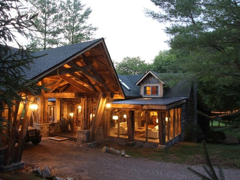 THE COTTAGE at the Dark Horse Estate, vacation rental in Fairview