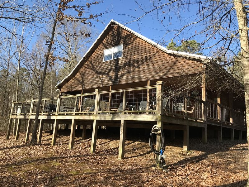 A cozy getaway on the Little Missouri River!, alquiler vacacional en Murfreesboro