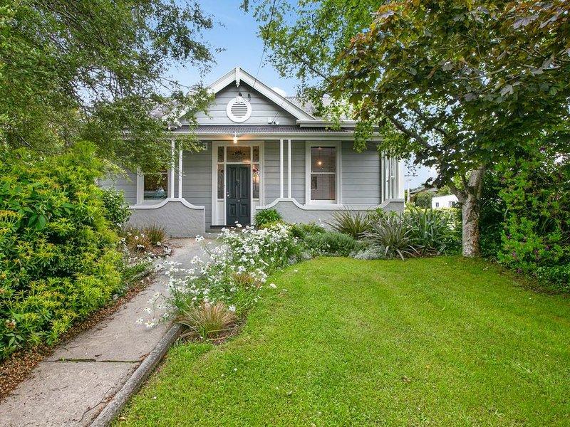 Maple Cottage - Dunedin Holiday Home, aluguéis de temporada em Dunedin