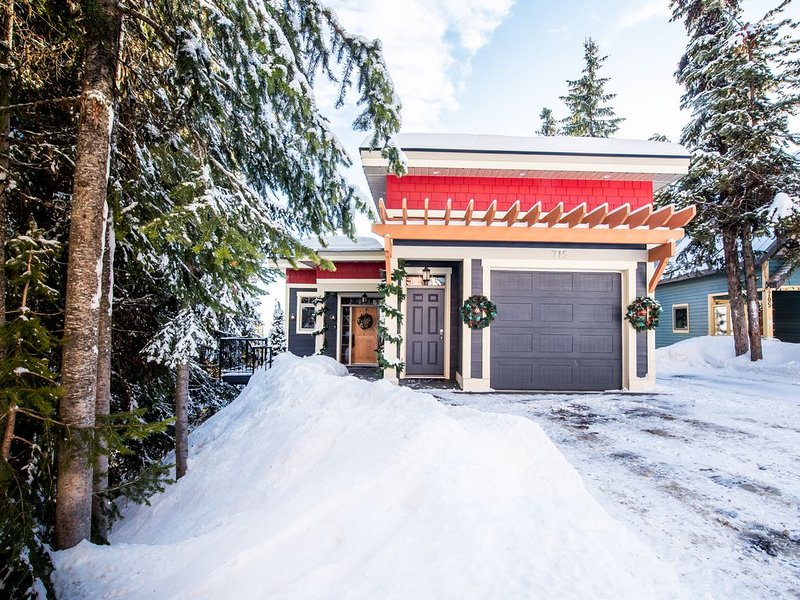 Executive Home - One Bedroom Silver Star Ski Resort, holiday rental in Silver Star