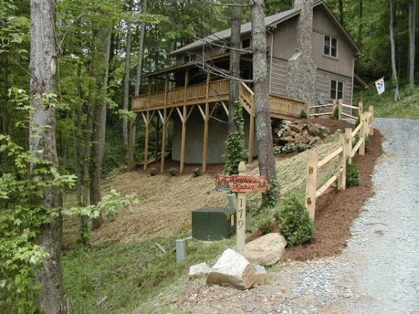 Kaylee's Kabin 2 Bedroom 2 Bath Log Cabin in Valle Crucis NC, vacation rental in Vilas