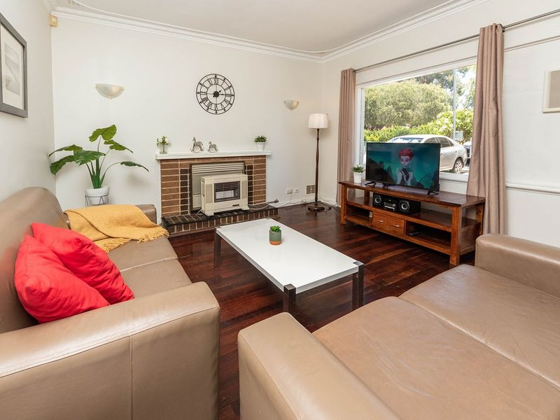 Comfy Lodge Belmont at affordable price, holiday rental in Greenmount
