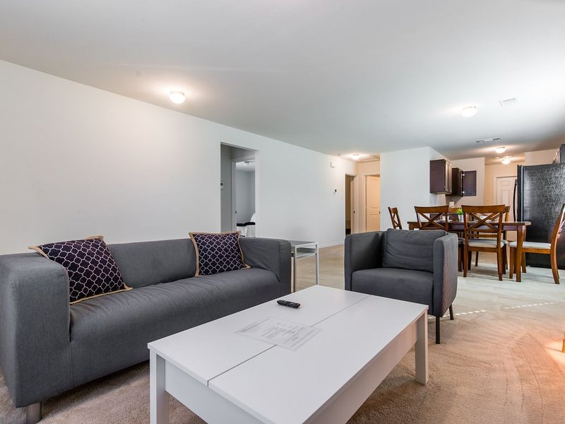 Perfect for groups! - Just 5 minutes to Downtown!, vacation rental in Wilmer