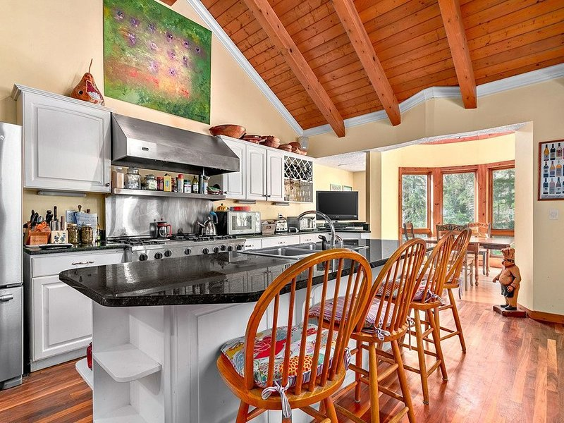 Mountain Silo House with Amazing Views, vacation rental in Balsam