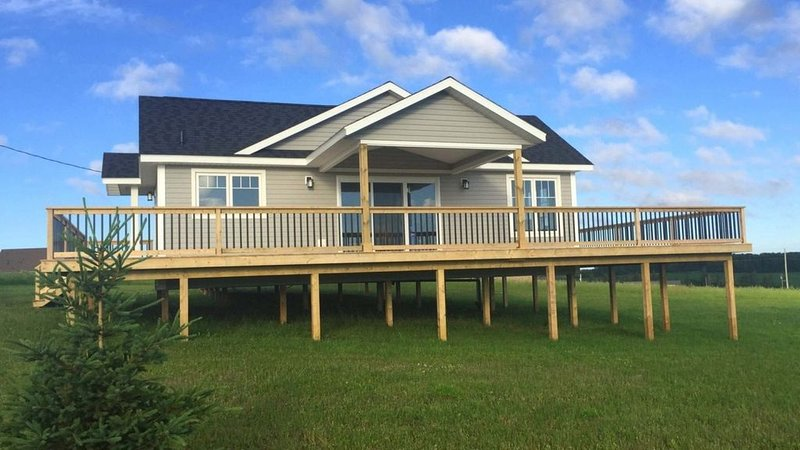 Open Concept NEW Cottage Overlooking The Southwest River, holiday rental in Summerside