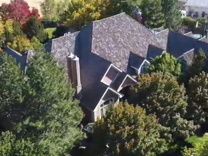Both Houses · 1.7acres! Ind.Pool! 2lower levels + chalet 9500sqft, vacation rental in Orem