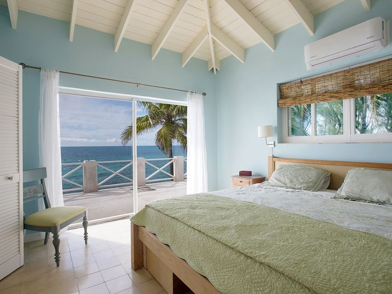 New Listing: Oceanfront Home on Calm Caribbean, location de vacances à Rainbow Bay