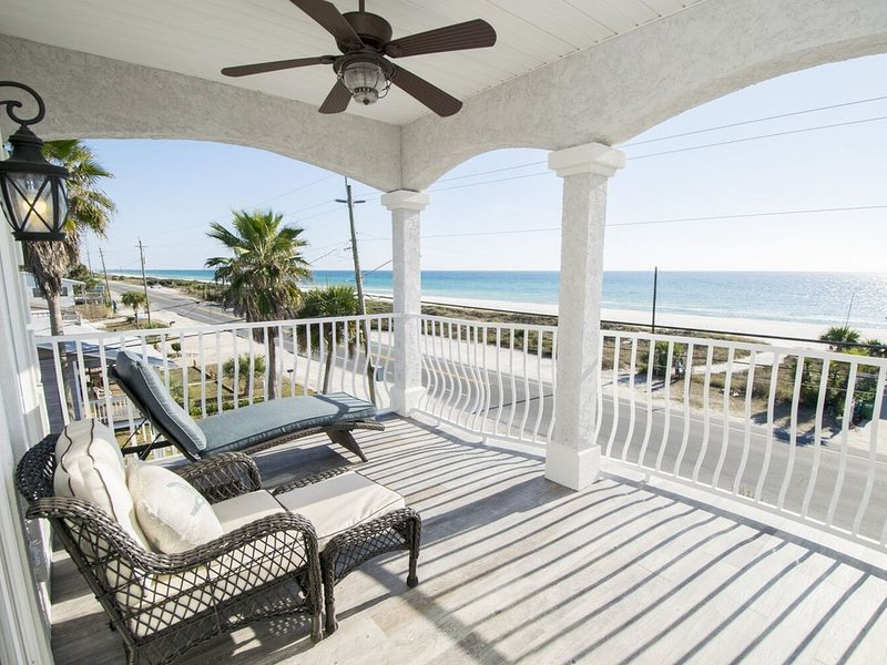 BEACH WITCH ~ Stunning Gulf Views, Large Community Pool! ~ Paradise30A, holiday rental in Laguna Beach