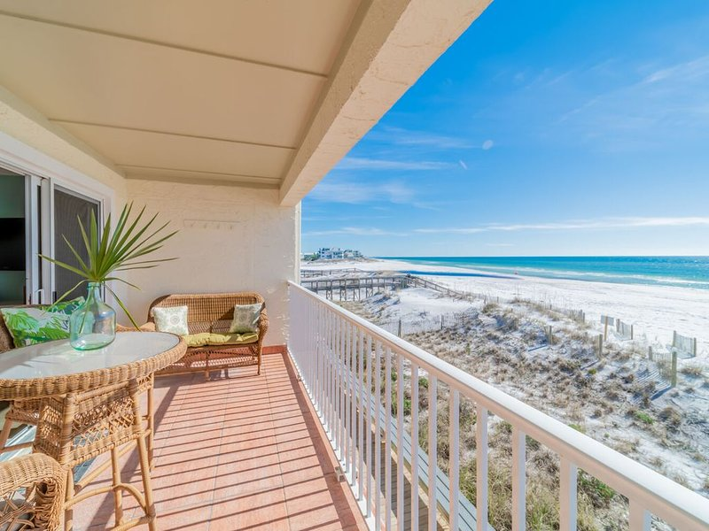 ~Endless Waves 208~15% off 3/18-3/25. Beach Front! Call To Book!, vacation rental in Seagrove Beach