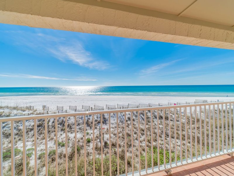 ~Endless Waves 208~15% off 3/18-3/25. Beach Front! Call To Book!, holiday rental in Seagrove Beach