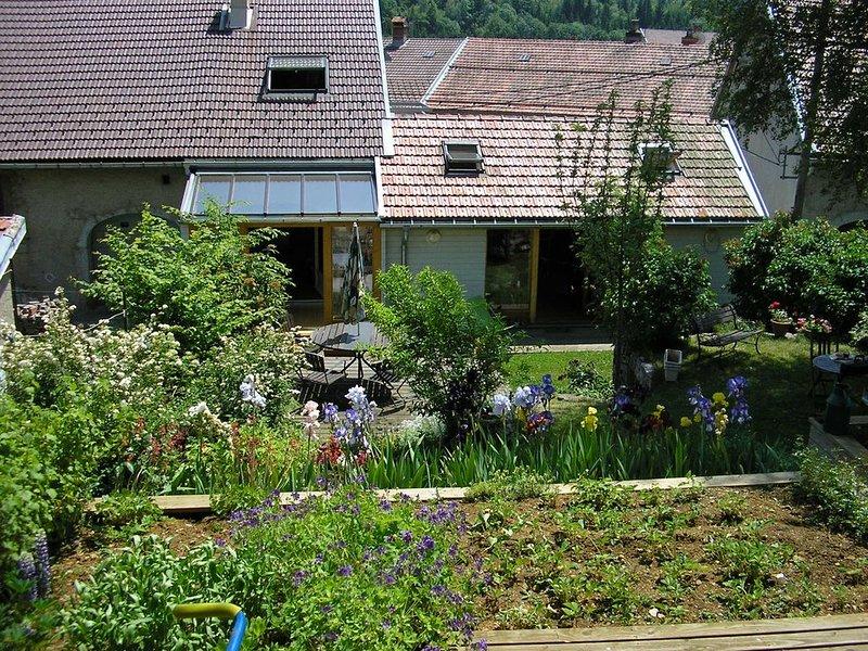 Chambres et suite d'hôtes à 9 km de saint-Claude  dans  la Montagne jurassienne, aluguéis de temporada em Les Bouchoux