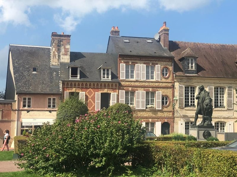 Maison de charme Beaumont, proche Deauville, holiday rental in Manerbe