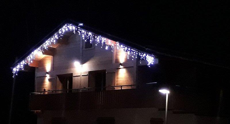 Appartement proche du village, sur les pistes de skis, wifi (6-8 personnes), holiday rental in La Clusaz