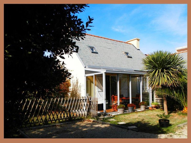 Dans une impasse privée, maison avec jardin fermé pour 6 personnes maximum., location de vacances à Penmarch