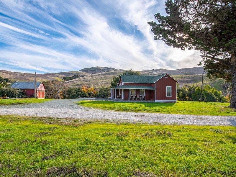 HISTORIC FARMHOUSE ON 400 ACRE RANCH, alquiler vacacional en San Luis Obispo