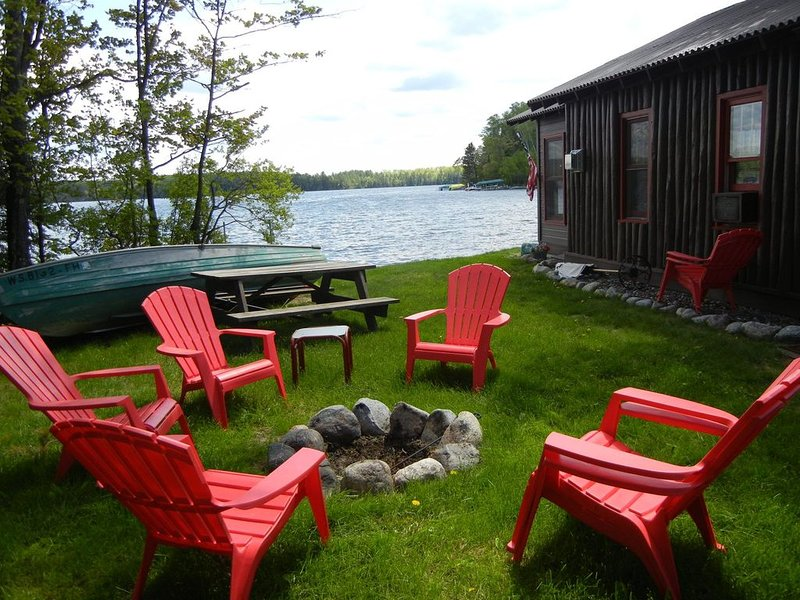 Spend your Vacation Sleeping right on the shore of Beautiful Star Lake!, holiday rental in Star Lake