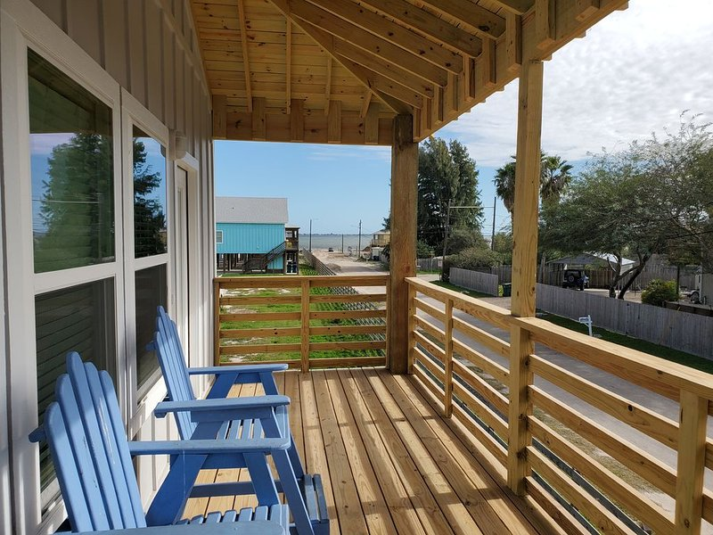Brand New 3/3! Private fishing pier with dock space! Pool! AMAZING Views!, vacation rental in Corpus Christi