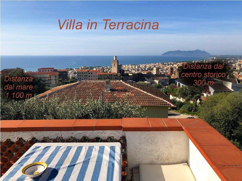 Villa am Hang, Rundum- und Dachterrasse in 1.000 qm Garten mit Blick aufs Meer, vacation rental in Frasso