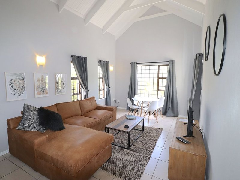 Carole's Cottage, your home away from home!, holiday rental in Onrus