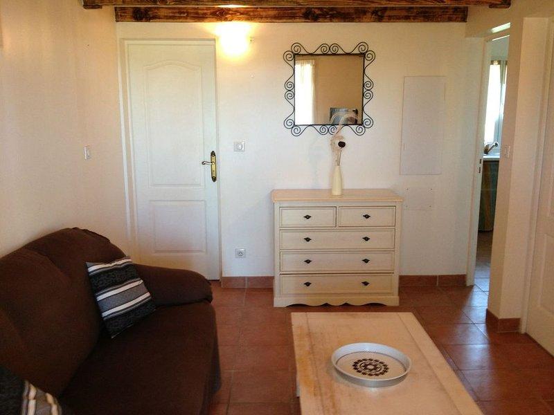 Maison 3 chambres, plage à 5 min, piscine commune, jardin, alquiler de vacaciones en Solaro