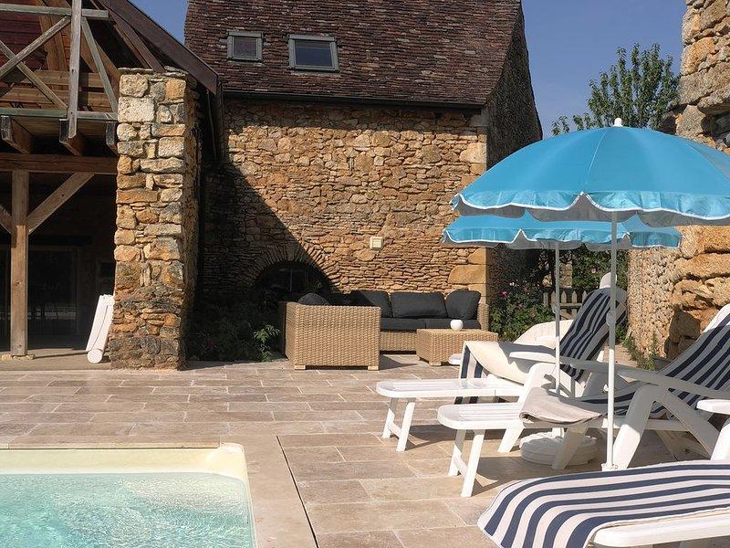 Location Gite Casalissa maison avec piscine chauffée en Perigord Noir, Sarlat, holiday rental in Castels