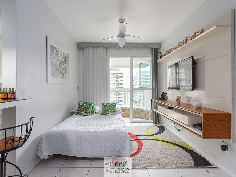 Condomínio com Segurança 24h próximo RIOCENTRO - Apto Mobiliado, holiday rental in Trajano de Morais