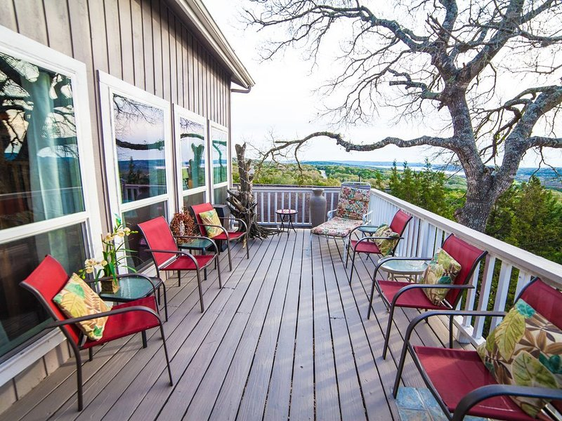 Relax on the deck and watch the sunrise over Canyon Lake!