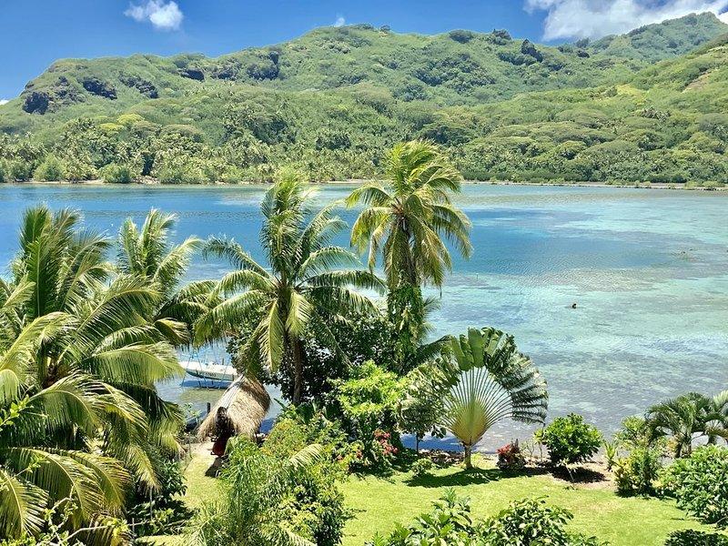Bungalow,cottage,fare,propriété, vue mer avec accés privé lagon 1 à 10 personnes, holiday rental in Parea