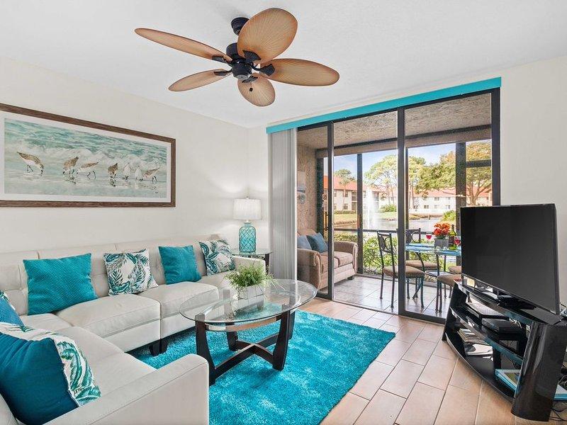*Villa Bella* Executive 2BR Condo w/2 Pools, Mins to IMG/Beach/Anna Maria Isl, vacation rental in Bradenton