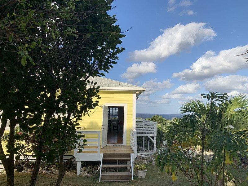 High Seas As Seen on HGTV's 'Bahamas Life' Ocean view, Open-Plan Modern Living, location de vacances à Rainbow Bay