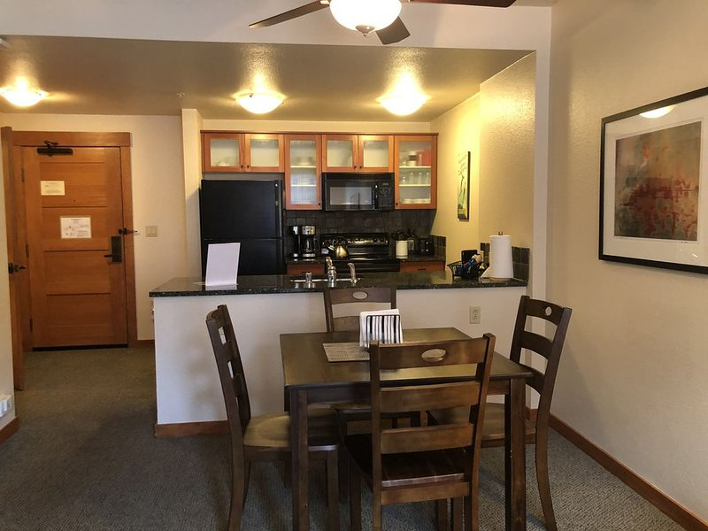 Next to The Gondola to Canyon Lodge!, vacation rental in Mammoth Lakes