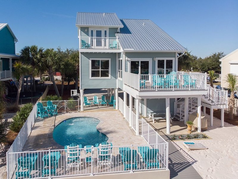 Luxurious Gulf House - BOTH Beach & Bay access. Private Beach & Private Pool!, location de vacances à Perdido Key