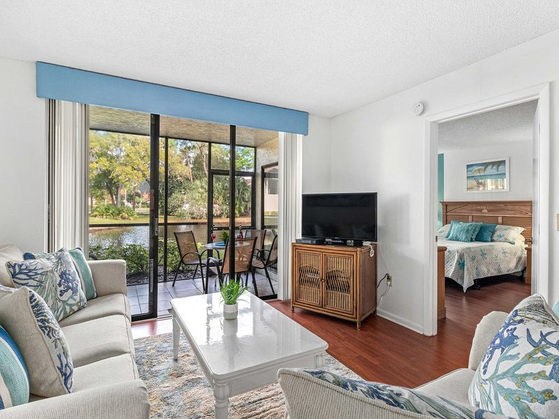 *Casa Mia* 2BR Condo w/2 Pools-Mins to Beach/IMG/Anna Maria Isl, holiday rental in Bradenton
