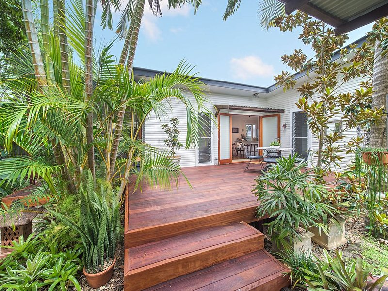 'Sugar Shack' - hosted by North Coast Lifestyle Properties, holiday rental in The Pocket