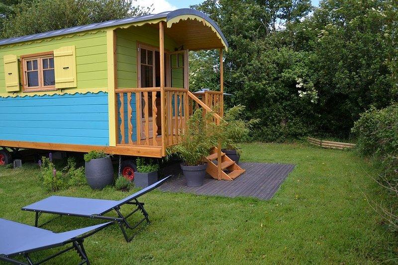 Associez déplacement professionnel et logement insolite...., alquiler vacacional en La Haye-Aubree