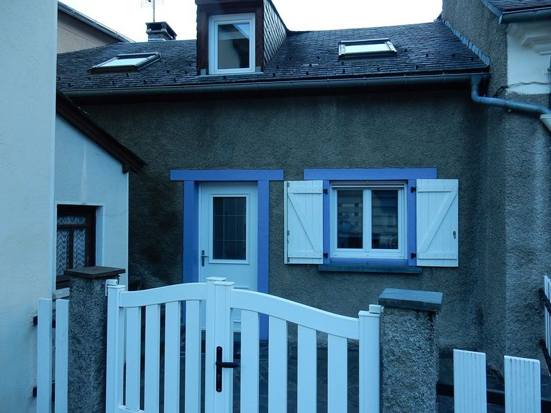 AGREABLE MAISON DE VILLAGE, holiday rental in Betpouey