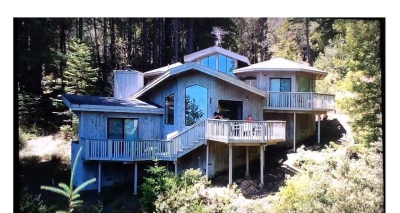 Charming Home in the Redwoods with View of the Ocean, vacation rental in Cazadero