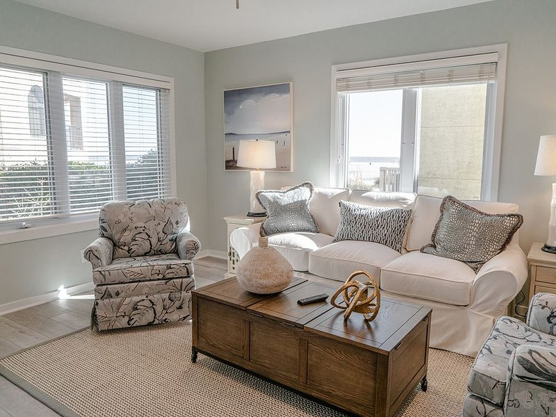 'Ocean Breeze' - Almost Ocean Front with Tons of Ocean Views, holiday rental in Isle of Palms