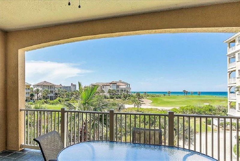 CB334 offers Romantic and Family Ocean & Golf Views, holiday rental in Palm Coast