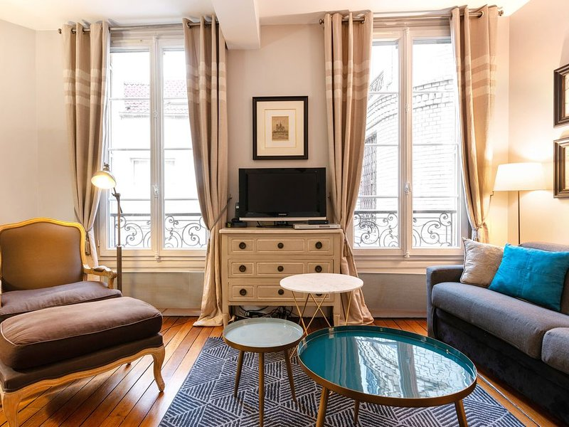 100% legal Marais 2BR/2BA with AC, up to 6 guests, holiday rental in Paris