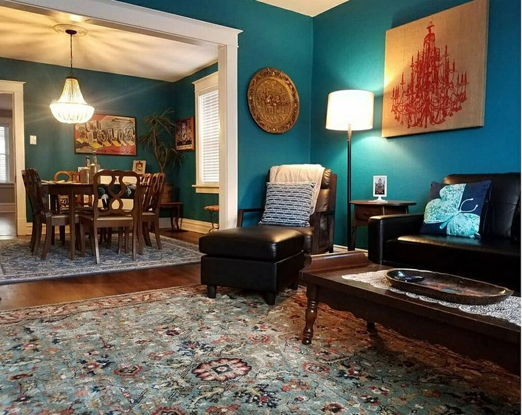 Newly Renovated  St. Louis Apartment, holiday rental in Maplewood