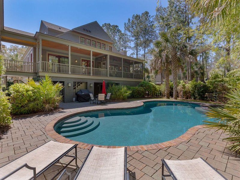 Spacious Vacation Home! Gorgeous Interior, Private Pool, and Hot Tub, alquiler vacacional en Fenwick Island