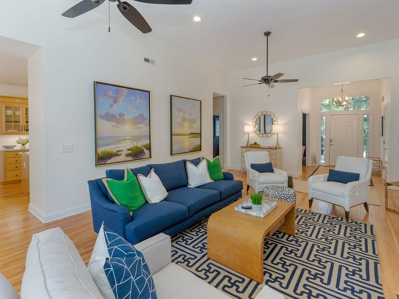 Great House on Seabrook Island! Family Beach Vacation! Golf Cart, Pool and Club, holiday rental in Seabrook Island