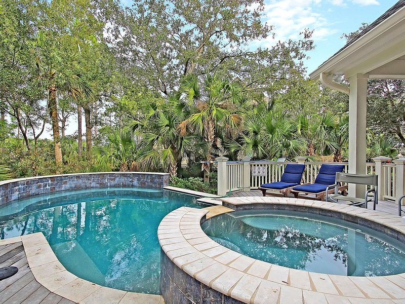 POPULAR Kiawah Home! Private Pool, Hot Tub And Elevator!, location de vacances à Johns Island