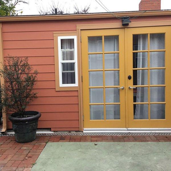 New Cottage In Prime Location, alquiler de vacaciones en Albany