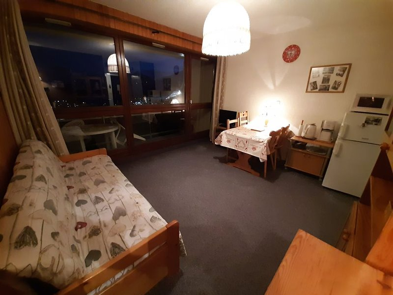 Appartement Sur Les Pistes, Calme, Plein Sud Avec Vue Montagne, location de vacances à Les Bottières