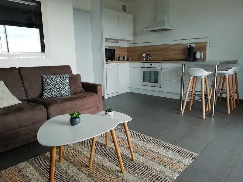 Bel appartement rénové proche plage et commerces, vacation rental in Mimizan